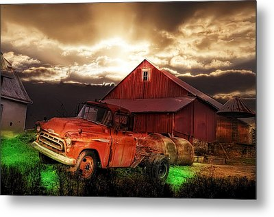 Sunburst At The Farm Metal Print by Bill Cannon