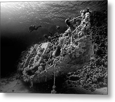 Sunken Yacht Of Abu Galawa Metal Print by Henry Jager