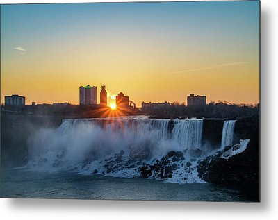 Sunrise Over The Niagara Falls Metal Print by Bill Cannon