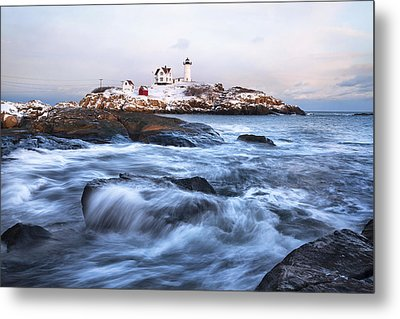 Sunset Over Nubble Light Metal Print by Eric Gendron