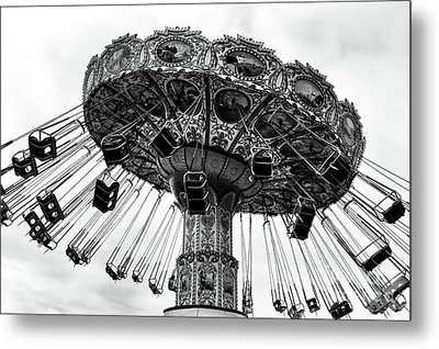 Swinging At Seaside Heights Mono Metal Print by John Rizzuto