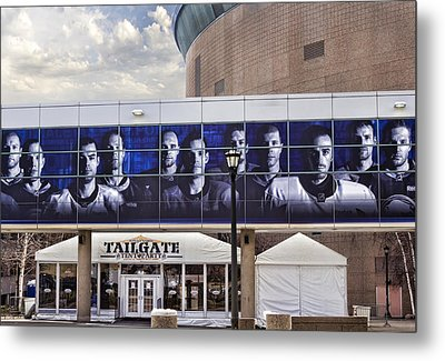 Tailgate Metal Print by Peter Chilelli