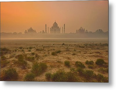 Taj Mahal At Dusk Metal Print by Vichaya