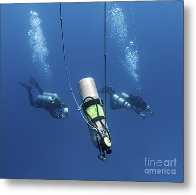 Technical Divers Ascend Near A Nitrox Metal Print by Karen Doody