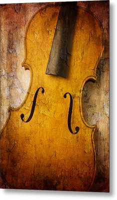 Textured Violin Metal Print by Garry Gay