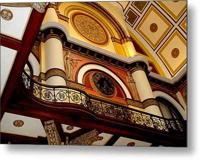 The Clock In The Union Station Nashville Metal Print by Susanne Van Hulst