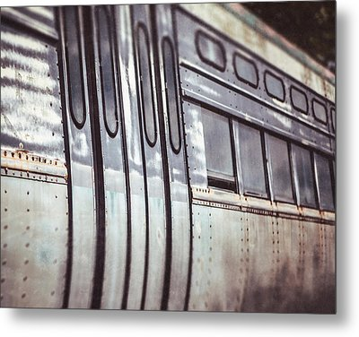 The Cta Train Metal Print by Lisa Russo