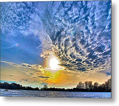 The End Of The Day Metal Print by Robert Pearson