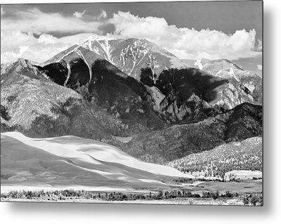 The Great Sand Dune Valley Bw Metal Print by James BO  Insogna