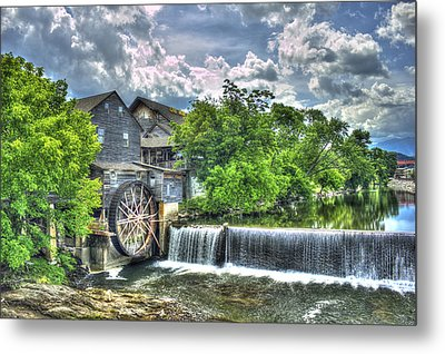 The Old Mill Pigeon Forge Tn Metal Print by Reid Callaway