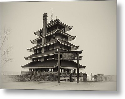 The Pagoda - Reading Pa. Metal Print by Bill Cannon