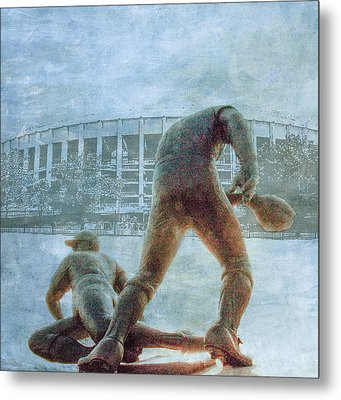 The Phillies At Veterans Stadium Metal Print by Bill Cannon
