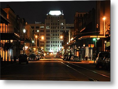 The Strand At Night Metal Print by John Collins