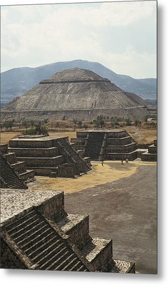 The Temple Of The Sun At Teotihuacan Metal Print by Martin Gray