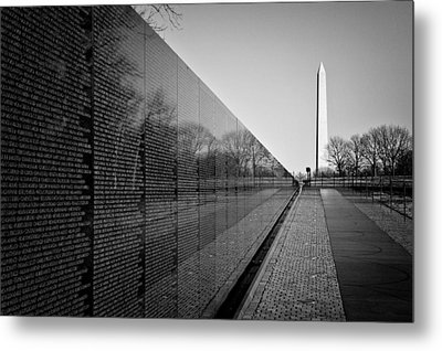 The Vietnam Veterans Memorial Washington Dc Metal Print by Ilker Goksen