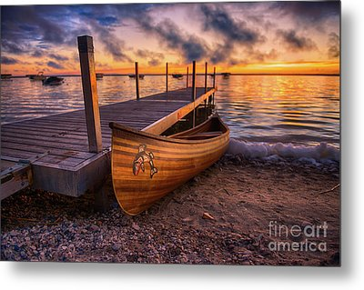 Twilight Canoe Metal Print by Ian McGregor