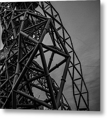 Twisted Metal Metal Print by Martin Newman