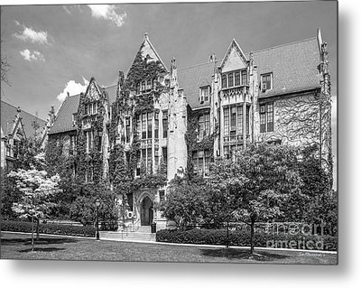 University Of Chicago Eckhart Hall Metal Print by University Icons