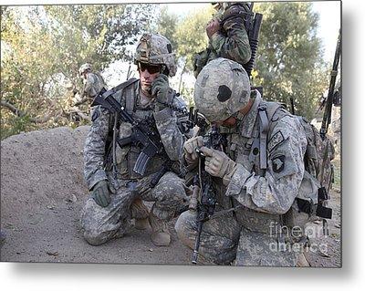 U.s. Army Soldier Radios In His Teams Metal Print by Stocktrek Images