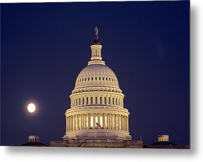 U.s. Capitol Building Lit Metal Print by Kenneth Garrett