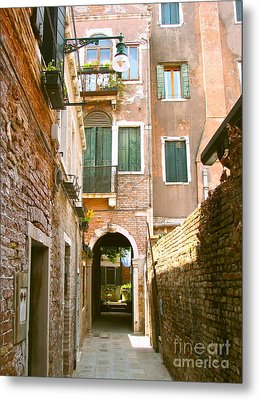 Venice- Venezia-calle Veneziana Metal Print by Italian Art