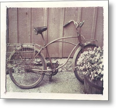 Vintage Bicycle Metal Print by Jane Linders