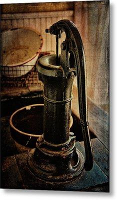 Vintage Sink Metal Print by Lana Trussell