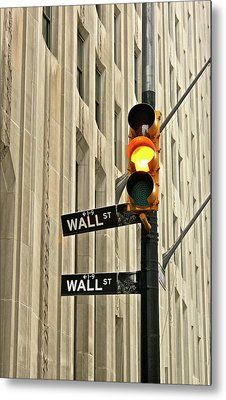 Wall Street Traffic Light Metal Print by Oonat