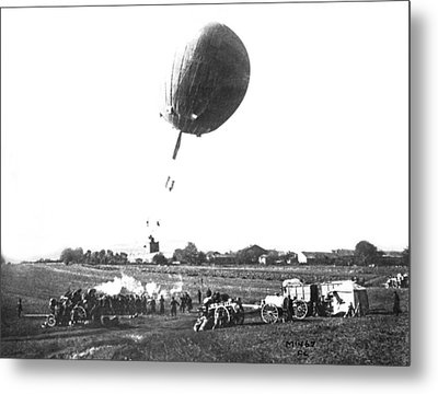 War Balloon To Bomb Germans Metal Print by Underwood Archives
