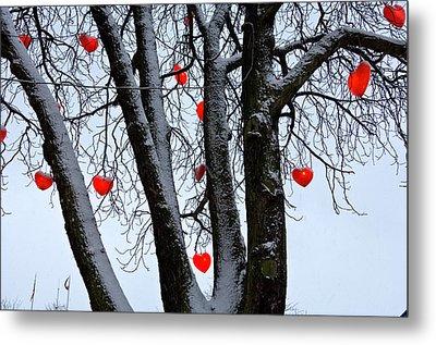 Warm Hearts Color A Tivoli Gardens Metal Print by Keenpress