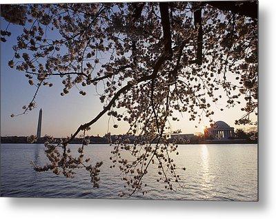 Washington Monument And Jefferson Metal Print by Kenneth Garrett