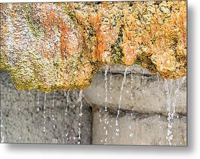 Water-worn Fountain Metal Print by Bill Mock