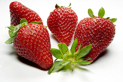 Lebensmittel Poster featuring the photograph Strawberry by   Bullysoft