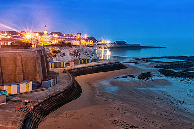 Viking Bay Broadstairs Poster by Ian Hufton