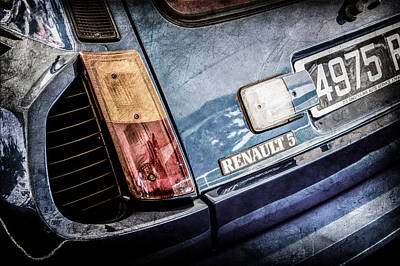 1980 Renault Series 1 R5 Turbo Taillight Emblem -0082ac Poster by Jill Reger