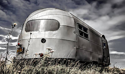 Classic Airstream Caravan Poster by Ian Hufton