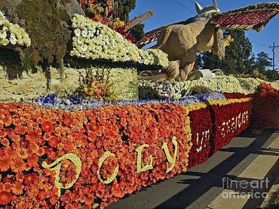 2015 Cal Poly Rose Parade Float 15rp052 Poster by Howard Stapleton