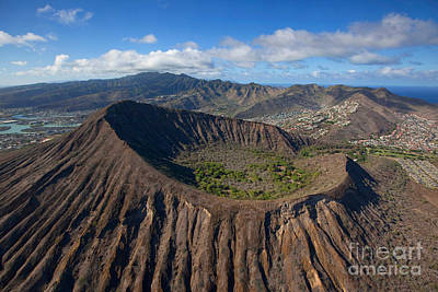 Koko Crater, Oahu, Hawaii Poster by Douglas Peebles
