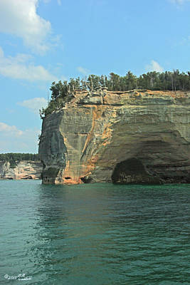 Arch In The Pictured Rocks Poster by Bill Woodstock
