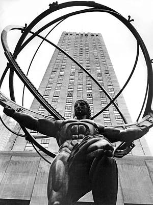 Atlas In Rockefeller Center Poster by Underwood Archives