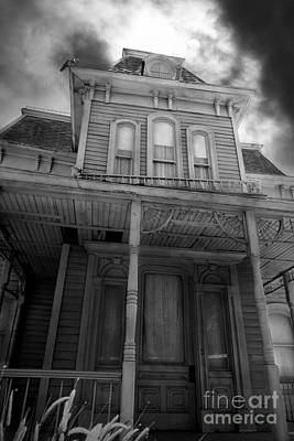 Bates Motel 5d28867 Bw Poster by Wingsdomain Art and Photography