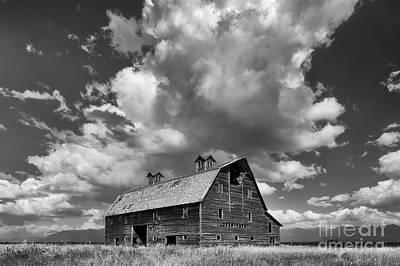 Blasdel Barn - Black And White Poster by Mark Kiver
