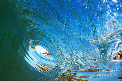 Blue Wave Curl Poster by Paul Topp