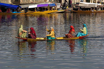 Cartoon - Ladies On A Wooden Boat On The Dal Lake With The Background Of Hoseboats Poster by Ashish Agarwal