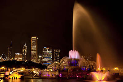 Chicago Fountain At Night Poster by Andrew Soundarajan
