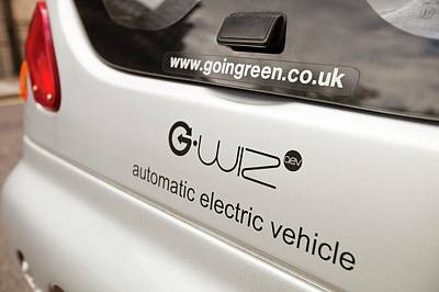 G Wizz Electric Car Poster by Ashley Cooper