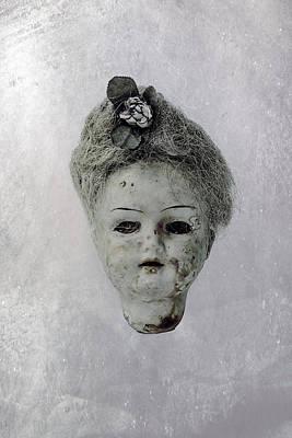 Head Poster by Joana Kruse