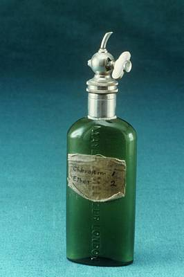 Hewitt Drop Bottle Poster by Science Photo Library