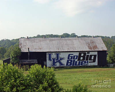 Kentucky Barn Poster by Roger Potts