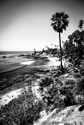 Laguna Beach Pacific Ocean Shoreline In Black And White Poster by Paul Velgos